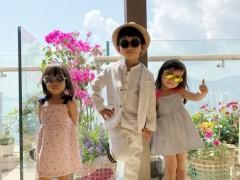 陈浩民老婆晒萌宝照 三兄妹戴墨镜凹造型温馨可爱