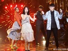 歌手总决赛张韶涵玩变装 白裙优雅黑裙性感